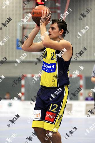 2010-09-19 / Basketbal / seizoen 2010-2011 / BBC Geel / R. Van den Eynde..Foto: Mpics
