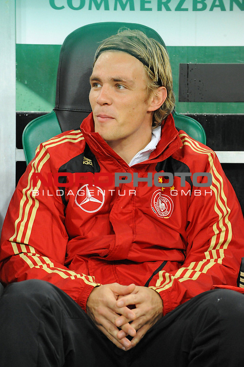 Fussball, L&auml;nderspiel, WM 2010 Qualifikation Gruppe 4 in M&ouml;nchengladbach ( Borussia Park ) <br />  Deutschland (GER) vs. Wales ( GB ) 1:0 ( 0:0 )<br /> <br /> Auf der Ersatzbank<br /> <br /> Clemens Fritz ( Ger / Werder Bremen #2)<br /> <br /> <br /> <br /> Foto &copy; nph (  nordphoto  )<br />  *** Local Caption ***