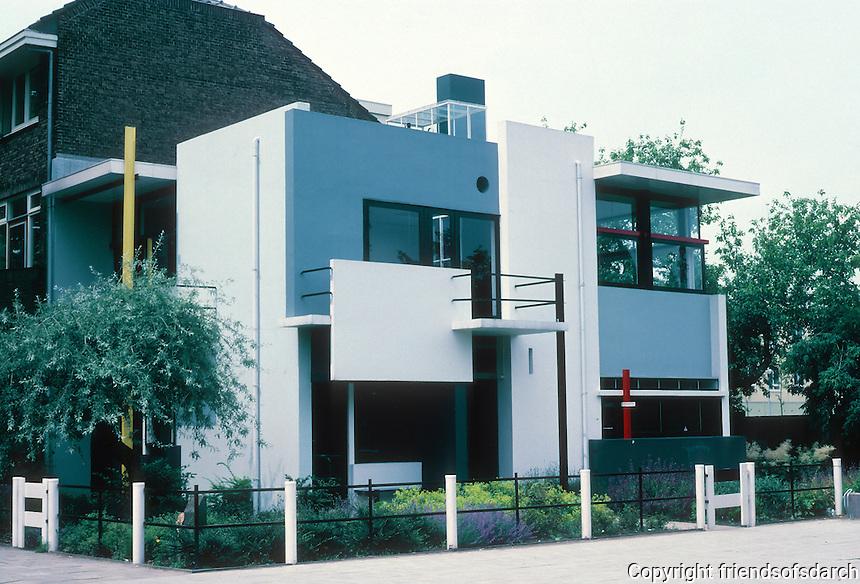 Gerrit Rietveld: Schroder House, Utrecht 1924. Address: Prins Hendriklaan 50. Photo '87.
