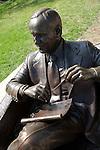 """""""Bob Newhart as Dr. Bob Hartley"""" statue near Navy Pier, Chicago, IL, USA"""