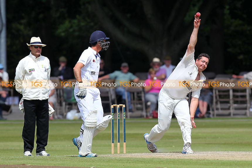 Jesse Ryder in bowling action for Essex - Derbyshire CCC vs Essex CCC - LV County Championship Division Two Cricket at Queen's Park, Chesterfield - 09/07/14 - MANDATORY CREDIT: Gavin Ellis/TGSPHOTO - Self billing applies where appropriate - 0845 094 6026 - contact@tgsphoto.co.uk - NO UNPAID USE