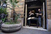 Roma 4 Agosto 2014<br /> Lavori di falegnameria.<br /> Assemblea nazionale al teatro Valle occupato da lavoratrici e lavoratori dello spettacolo dal 14 Giugno 2011, cui partecipano lavoratori dello spettacolo, attivisti e rappresentanti di realtà simili al teatro Valle occupato, per decidere sullo sgombero del Teatro chiesto dal sindaco di Roma Ignazio Marino, per riconsegnarlo alla sovrintendenza per i lavori di ristrutturazione.<br /> Rome August 4 2014National Assembly  at the Teatro Valle occupied by workers and workers of the show from June 14, 2011, with the participation of workers in the entertainment, activists and representatives of reality similar to the occupied Teatro Valle, for decide on the eviction of the theater asked by the mayor of Rome Ignazio Marino, to return it to the superintendent for renovations.