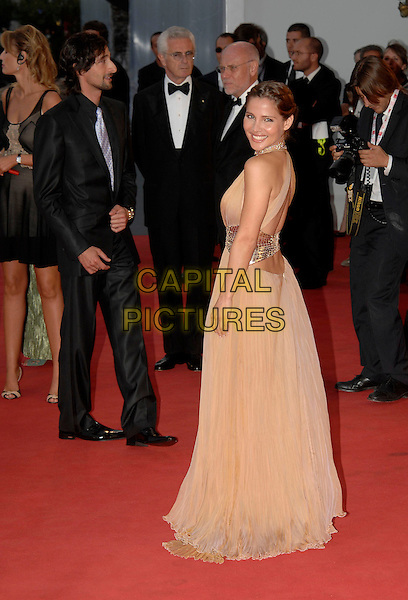 "ELSA PATAKY.""The Darjeeling Limited"" Premiere during the.64th Venice International Film Festival, Venice,.Italy, 3rd September 2007..La Biennale di Venezia, full length beige peach dress back over shoulder long gown backless.Ref: CAP/PL.©Phil Loftus/Capital Pictures"