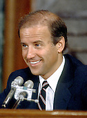 Washington, D.C. - July 29, 1986 -- United States Senator Joseph Biden (Democrat of Delaware) questions Justice William Rehnquist during his confirmation hearing before the U.S. Senate Judiciary Committee to be Chief Justice of the United States in Washington, D.C. on July 29, 1986..Credit: Arnie Sachs / CNP