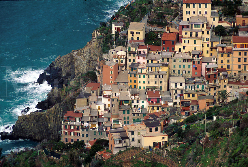 Overview of the quaint Italian Riviera coastal village of Manarola. Cinque Terre, Italy. Italian, European, coast, coastline, Mediterranean ocean, sea.