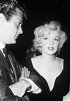 Some Like It Hot (1959)<br /> Behind the scenes photo of Marilyn Monroe &amp; Tony Curtis<br /> *Filmstill - Editorial Use Only*<br /> CAP/KFS<br /> Image supplied by Capital Pictures
