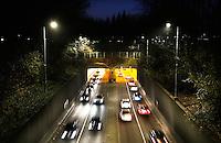 Rotterdam-  Maastunnel bij avond