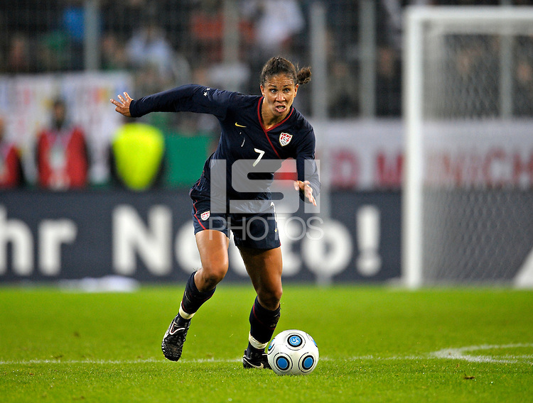Shannon Boxx dribbles the ball. US Women's National Team defeated Germany 1-0 at Impuls Arena in Augsburg, Germany on October 27, 2009.