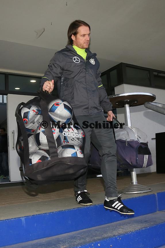 Co-Trainer Thomas Schneider kommt zum Training - Training der Deutschen Nationalmannschaft, Wurfplatz Berlin
