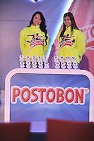 BOGOTÁ-COLOMBIA-22-01-2013. Unas modelos muestran las balotas durante sorteo de la Dimayor, para el campeonato de la Liga Postobon I, en Bogotá enero 22 de 2013. A models display the ballots during the Dimayor draw for the championship League Postobon I, in Bogota January 22, 2013. (Photo: VizzorImage/ Luis Ramírez)..