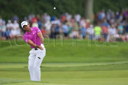 19.06.2016. Pittsburgh, PA,USA.     Bryson DeChambeau chips to the second green during the final round of golf at the US Open at Oakmont Country Club in Pittsburgh, PA.