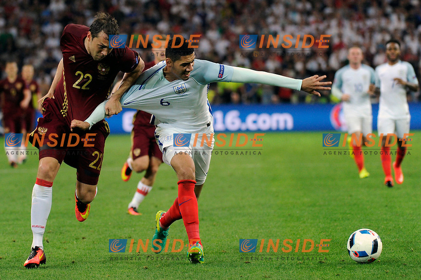 Artem Dzyuba Russia Chris Smalling England <br /> Marseille 11-06-2016 Stade Velodrome football Euro2016 England - Russia  / Inghilterra - Russia Group Stage Group B. Foto Franck Pennant / Panoramic / Insidefoto <br /> ITALY ONLY