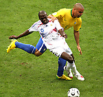 01 July 2006: Claude Makelele (FRA) (6) shields Ronaldo (BRA) (behind) off the ball. France defeated Brazil 1-0 at Commerzbank Arena in Frankfurt, Germany in match 60, a Quarterfinal game of the 2006 FIFA World Cup.