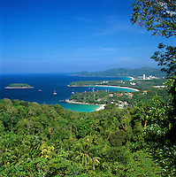 Thailand, Phuket, View over Kata Noi, Kata and Karon beaches on south west of island | Thailand, Phuket, Kata Noi, Kata und Karon Beaches im Suedwesten der Insel