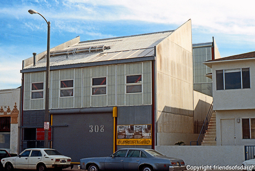 Venice CA: Lowe Studio, 308 Venice Way. David Ming-Lowe, 1980's.  Photo '88.