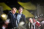 Stockholm 2015-01-04 Ishockey Hockeyallsvenskan AIK - Vita H&auml;sten :  <br /> Vita H&auml;stens tr&auml;nare huvudtr&auml;nare Niklas Czarnecki och assisterande tr&auml;nare Mikael Johansson ser nedst&auml;md ut i b&aring;set under matchen mellan AIK och Vita H&auml;sten <br /> (Foto: Kenta J&ouml;nsson) Nyckelord:  AIK Gnaget Hockeyallsvenskan Allsvenskan Hovet Johanneshov Isstadion Vita H&auml;sten depp besviken besvikelse sorg ledsen deppig nedst&auml;md uppgiven sad disappointment disappointed dejected
