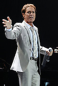 Nov 25, 2011: CLIFF RICHARD - O2 Arena London