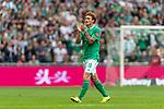 01.09.2019, wohninvest WESERSTADION, Bremen, GER, 1.FBL, Werder Bremen vs FC Augsburg<br /> <br /> DFL REGULATIONS PROHIBIT ANY USE OF PHOTOGRAPHS AS IMAGE SEQUENCES AND/OR QUASI-VIDEO.<br /> <br /> im Bild / picture shows<br /> Joshua Sargent (Werder Bremen #19) bedankt sich für Unterstützung mit Applaus bei Auswechslung, <br /> <br /> Foto © nordphoto / Ewert