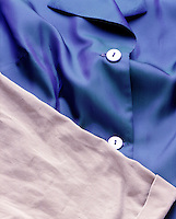 COTTON COMPARED TO ACETATE CLOTHING<br /> Cotton (Cellulose) vs. Cellulose Acetate<br /> Cotton has a dull and baggy appearance. Acetate is smooth and shiny.