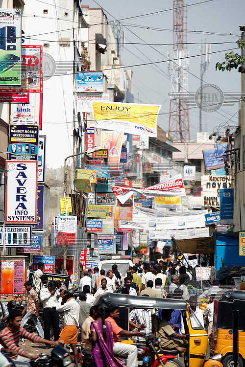 A view of a crowded street in Chennai.