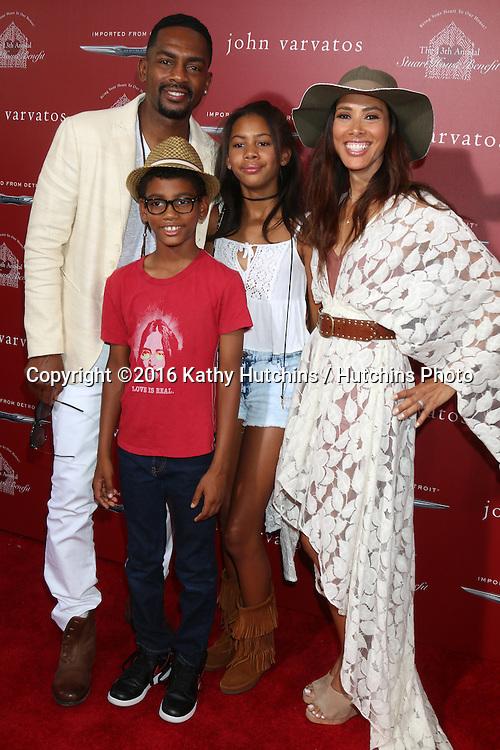 LAS VEGAS - APR 17:  Bill Bellamy, Kristen Bellamy, family at the John Varvatos 13th Annual Stuart House Benefit at the John Varvatos Store on April 17, 2016 in West Hollywood, CA