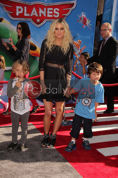 Ashlee Simpson and kids<br />