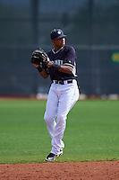 Seattle Mariners Erick Mejia (3) during an instructional league game against the Texas Rangers on October 5, 2015 at the Surprise Stadium Training Complex in Surprise, Arizona.  (Mike Janes/Four Seam Images)