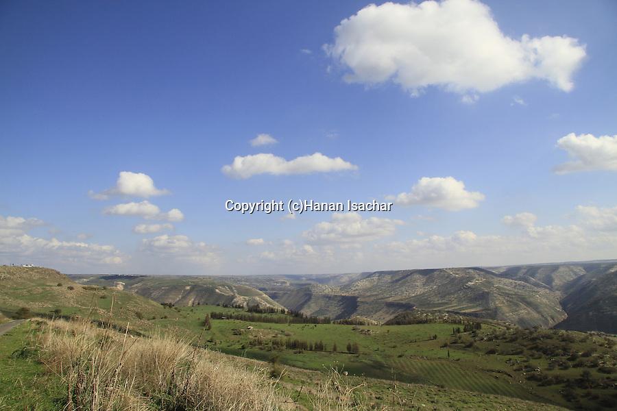 Golan Heights, the road to Ein Aya