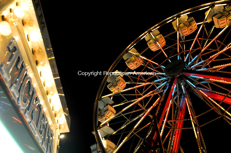 BETHLEHEM, CT, 09 SEPTEMBER 2011-090911JS07--The ferris wheel is always a popular rida and was again during the opening day of the 87th annual Bethlehem Fair Friday at the Bethlehem Fairgrounds. The fair runs through Sunday. <br /> Jim Shannon Republican-American