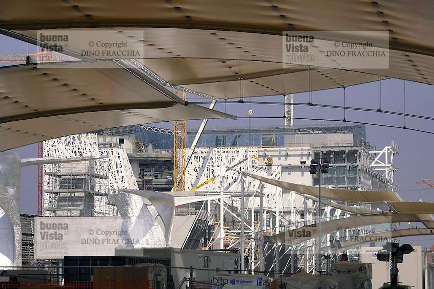 - Milano, cantiere per  l'Esposizione Mondiale Expo 2015, il padiglione Italia<br /> <br /> - Milan,  construction site for the World Exhibition Expo 2015 , the pavilion Italia