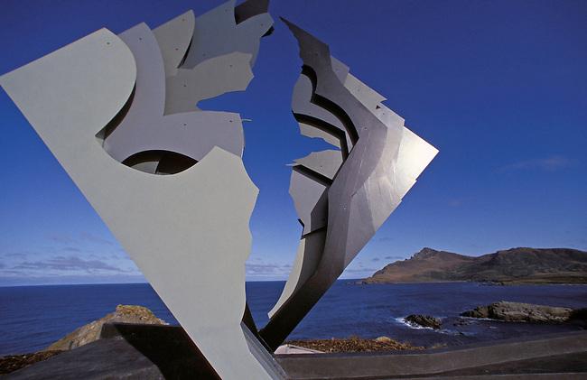 Ile du Cap Horn. Monument dedie aux marins. *** Monument to seamen on Cape Horn island, Chile.