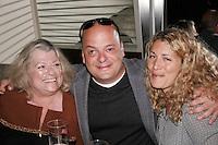 Lancement du DVD de l'humoriste Sylvain Larocque<br /> avec sa mere et sa femme<br /> photo : Delphine Descamps (c) Images Distribution