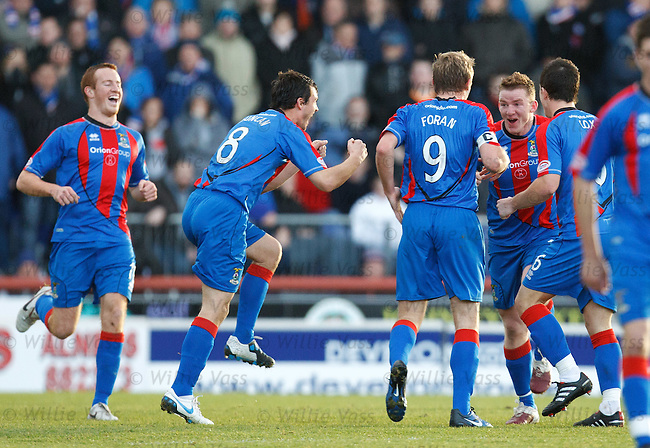 Jonny Hayes celebrates his goal for Inverness with a Highland Dance with Foran, Duncan and Cox in the centre circle