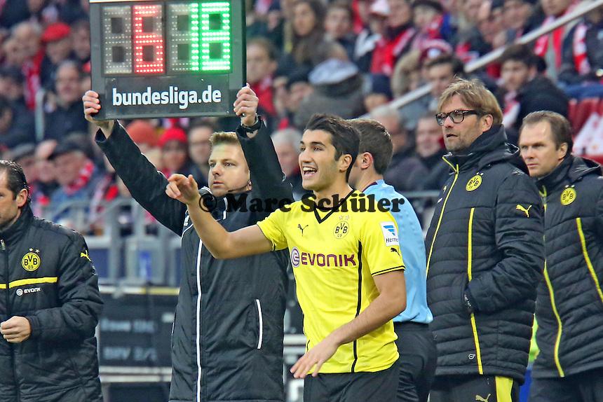 Nuri Sahin (BVB) wird eingewechselt - 1. FSV Mainz 05 vs. Borussia Dortmund, Coface Arena, 14. Spieltag