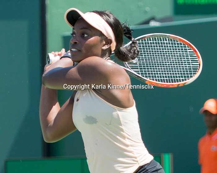 March 26 2018: Sloane Stephens (USA) defeats Garbine Muguruza (ESP) by 6-3, 6-4, at the Miami Open being played at Crandon Park Tennis Center in Miami, Key Biscayne, Florida. ©Karla Kinne/Tennisclix/CSM