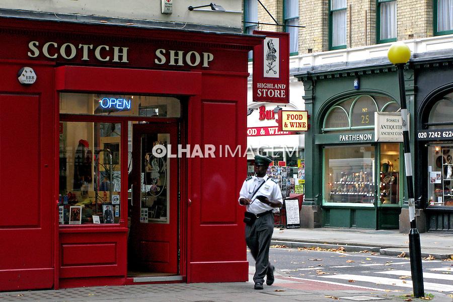 Rua comercial em Londres. Inglaterra. 2008. Foto de Juca Martins.