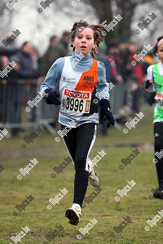 2010-02-07 / Atletiek / PK Veldlopen Mechelen / Pupillen meisjes 1999 / Amber Maselis werd 5e..Foto: mpics