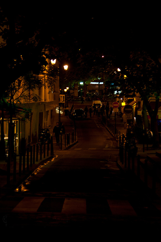 Photographing Paris at night