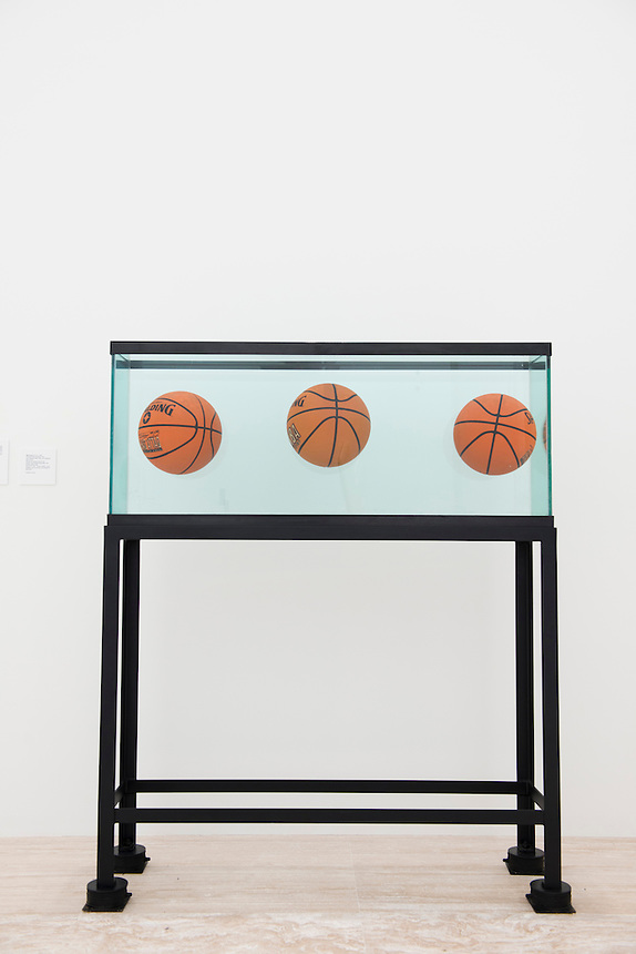 """Jeff Koon´s """"Three Ball Total Equilibrium Tank"""" at the new Jumex Museum.  Mexico City"""