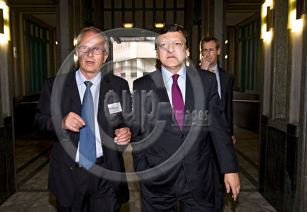 BRUSSELS - BELGIUM - 26 MAY 2008 -- European Policy Centre (EPC) Annual Conference. -- Hans MARTENS (Le), EPC Chief Executive with Jose Manuel BARROSO the President of the EU-Commission. -- PHOTO: Juha ROININEN / EUP-IMAGES