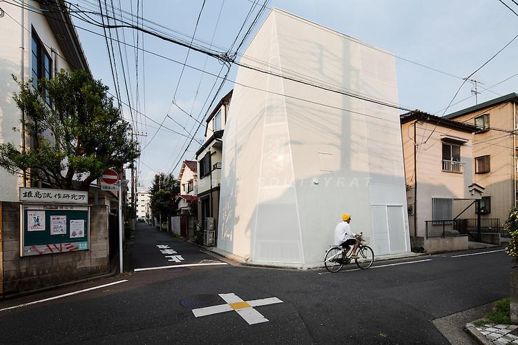 Tokyo, December 2012 - House Tokyo by A.L.X.
