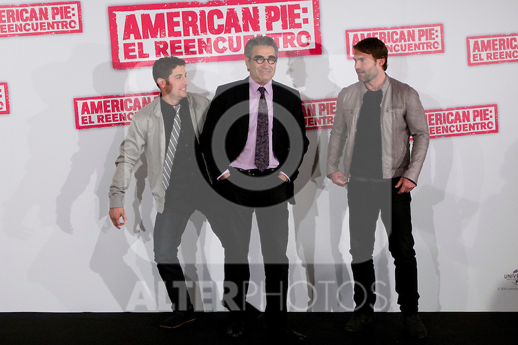 "19.04.2012. Presentation Photocall at the Hotel Villamagna in Madrid of ""American Pie. The Reunion"" with actors Jason Biggs (Jim), Sean William Scott (Stifler), Chris Klein (Oz), Mena Suvari (Heather), Eugene Levy (Jim's father) and Jennifer Coolidge (Stifler's Mother) and directors John Hurwitz and Hayden Schlossberg. In the picture: Jason Biggs, Eugene Levy and  Sean William Scott (Alterphotos/Marta Gonzalez)"