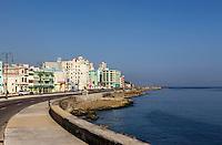 HAVANA, CUBA, 23.07.2015 –  Vista do Malecón na cidade de Havana em Cuba.Malecón um calçadão de 7km a beira-mar que passa por vários bairros de Havana (da parte antiga até a parte mais moderna) além de ser ponto de encontro da capital cubana. (Foto: Paulo Lisboa/Brazil Photo Press)