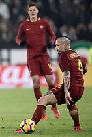 Calcio, Serie A: Juventus - AS Roma, Torino, Allianz Stadium, 23 dicembre, 2017. <br /> Roma's Radja Nainggolan in action during the Italian Serie A football match between Juventus and Roma at Torino's Allianz stadium, December 23, 2017.<br /> UPDATE IMAGES PRESS/Isabella Bonotto