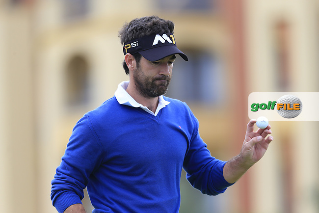 Eduardo DE LA RIVA (ESP) sinks his putt on the 8th green during Saturday's Round 3 of the Portugal Masters 2015 held at the Oceanico Victoria Golf Course, Vilamoura Algarve, Portugal. 15-18th October 2015.<br /> Picture: Eoin Clarke | Golffile<br /> <br /> <br /> <br /> All photos usage must carry mandatory copyright credit (&copy; Golffile | Eoin Clarke)