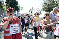 Roma, 16 Giugno 2012.Manifestazione nazionale dei sindacati Cgil, Cisl e Uil contro la riforma del lavoro, da Piazza Esedra a Piazza del Popolo..