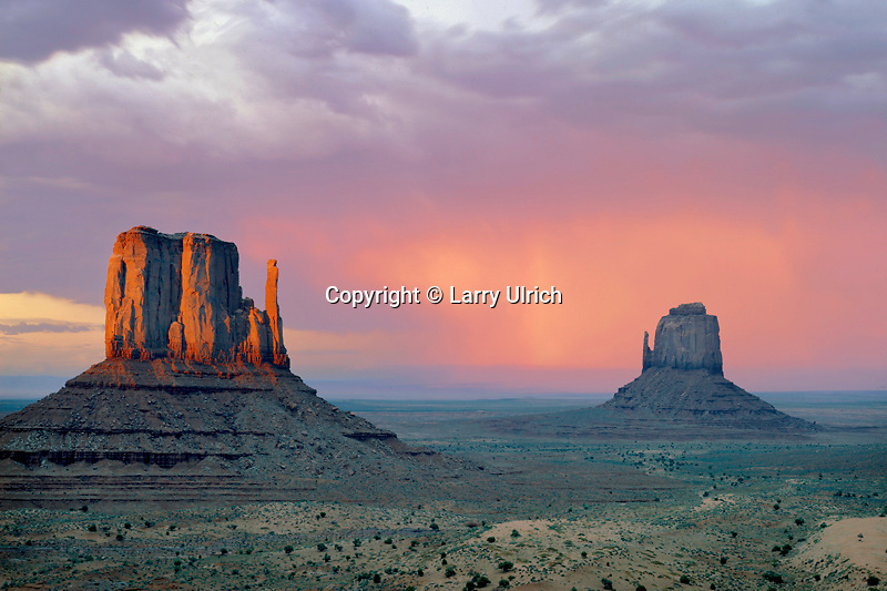 West Mitten and East Mitten <br /> Monument Valley<br /> Monument Valley Navajo Tribal Park<br /> Colorado Plateau,  Arizona