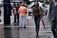 SAO PAULO, 21 DE JUNHO DE 2012 - CLIMA TEMPO SP - Manha de temperaturas baixas na Avenida Paulista, regiao central da capital. FOTO: ALEXANDRE MOREIRA - BRAZIL PHOTO PRESS