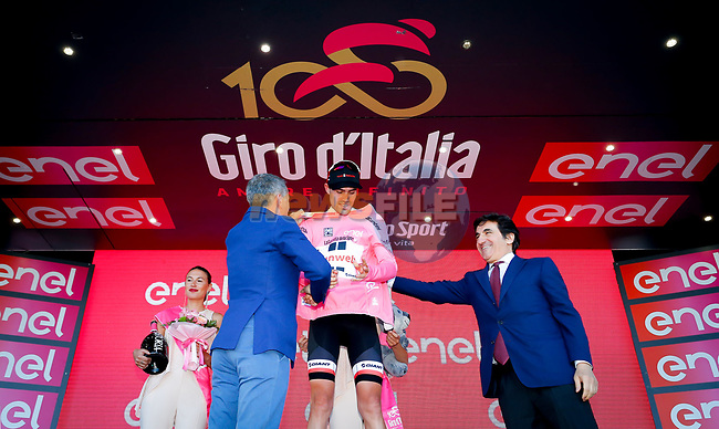 Race leader Maglia Rosa Tom Dumoulin (NED) Team Sunweb wins Stage 14 of the 100th edition of the Giro d'Italia 2017, running 131km from Castellania to Oropa, Italy. 20th May 2017.<br /> Picture: LaPresse/Simone Spada | Cyclefile<br /> <br /> <br /> All photos usage must carry mandatory copyright credit (&copy; Cyclefile | LaPresse/Simone Spada)