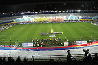 BOGOTA - COLOMBIA - 28-05-2015: Momentos previos al encuentro partido  semifinal  ida entre Millonarios  y  Deportivo Cali  de la Liga Aguila I-2015, en el estadio Nemesio Camacho El Campin  de la ciudad de Bogota. / Before the meeting first leg semifinal between Millonarios and Deportivo Cali from the Eagle I-2015, League at the stadium Nemesio Camacho El Campin Bogota city .Photo: VizzorImage / Felipe Caicedo / Staff.